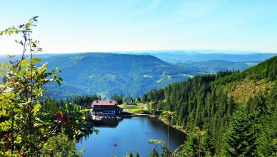 Mummelsee-mit-neuem-Hotel_front_large
