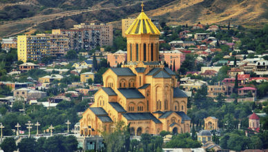 BP-1-EN-TBSZH-iStock-City-landscape-picture-with-church-in-middle-in-Tbilisi-Georgia